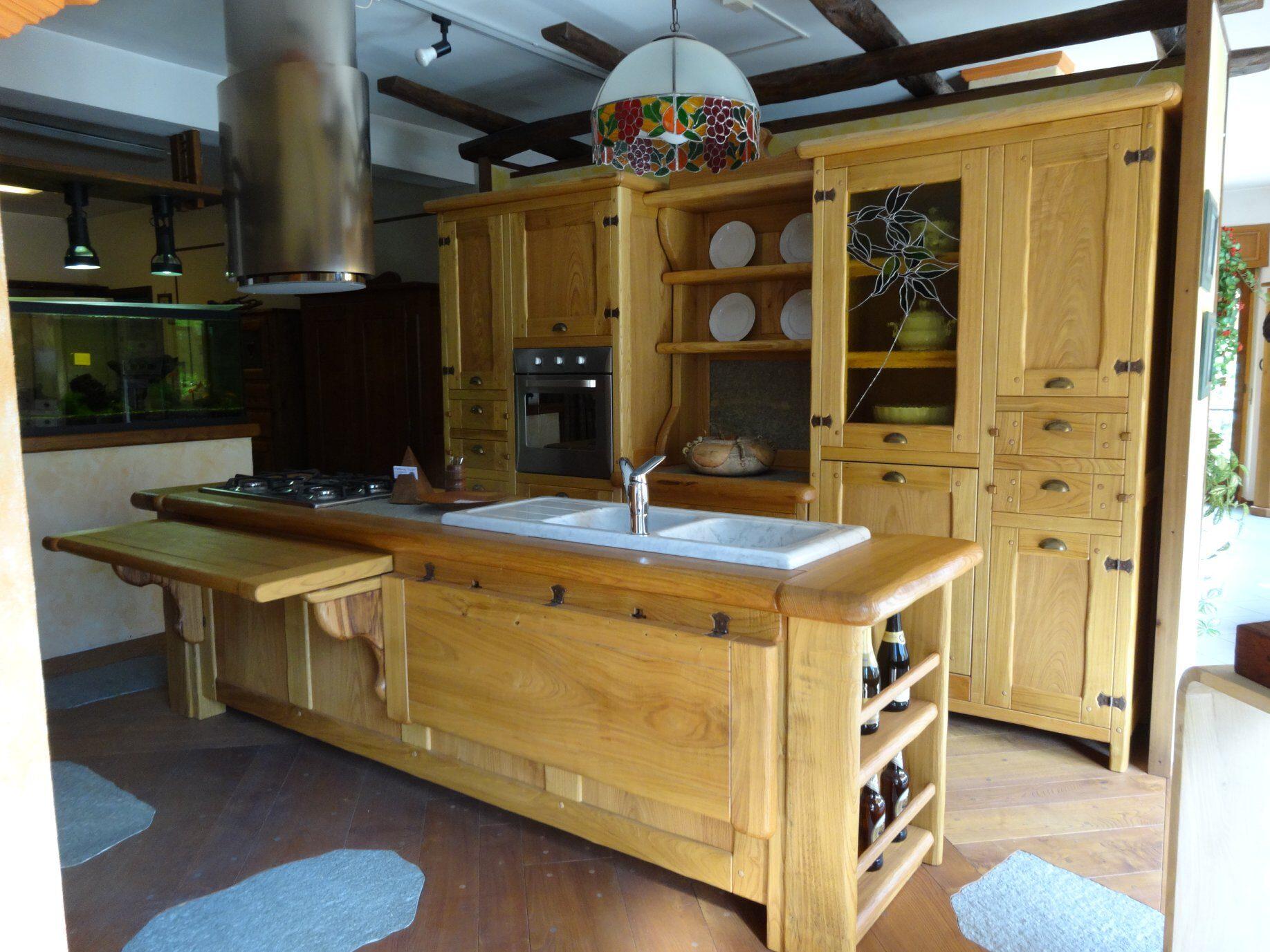 piemonte, torino, cucina in legno, mobili artigianali, arredamento, occasione, svendita, artigianato italiano