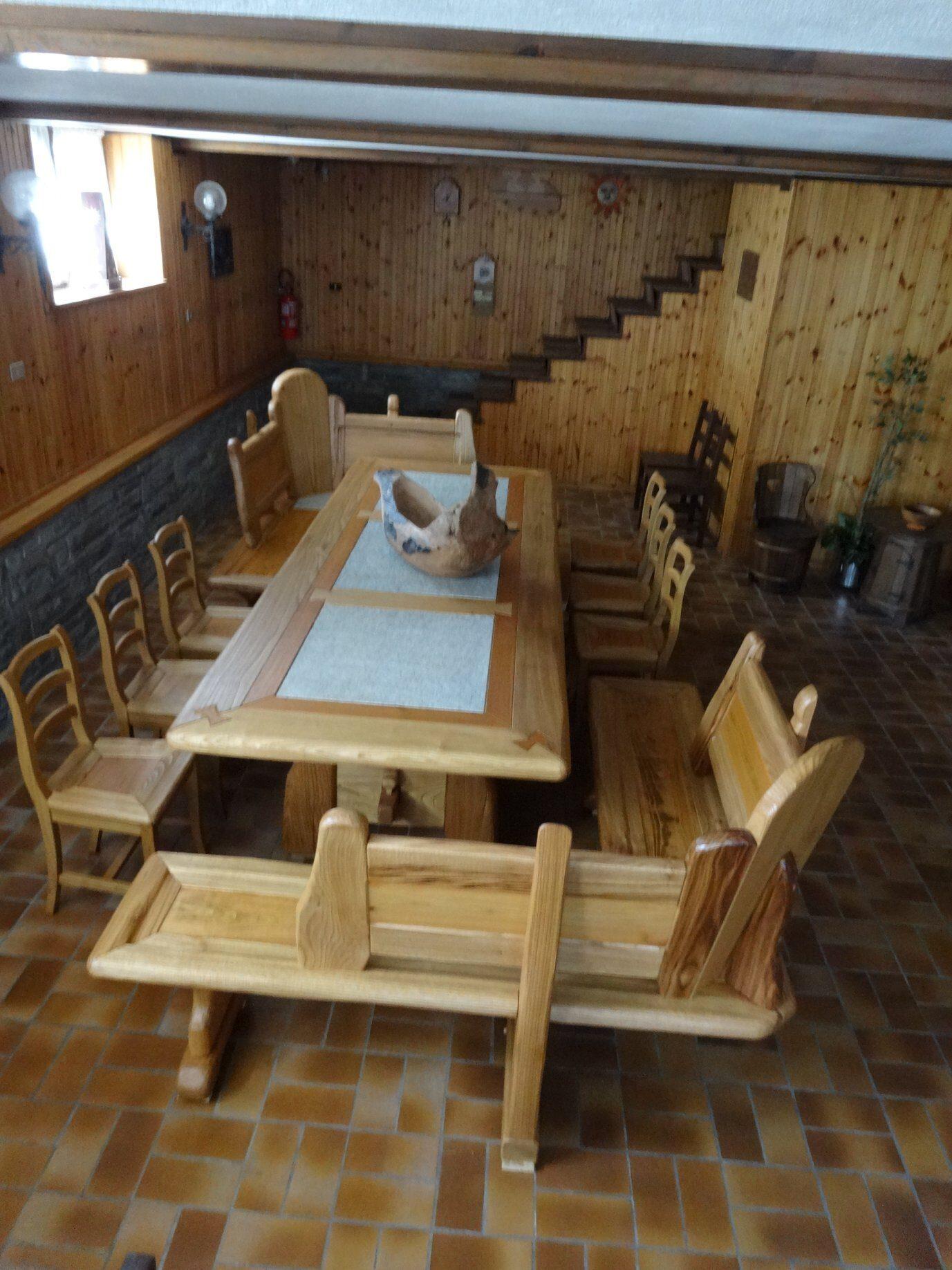 mobili artigianali, falegname, piemonte, legno massello, tavolo, cucina